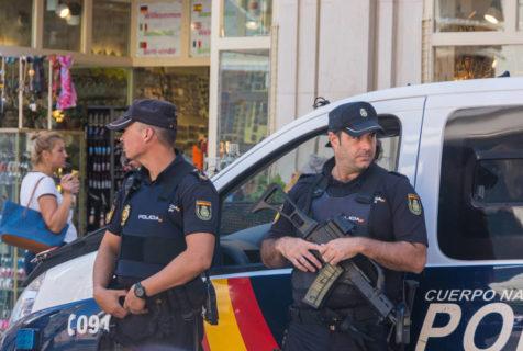 ¿Cuáles son los requisitos para acceder a las oposiciones de Policía Nacional?